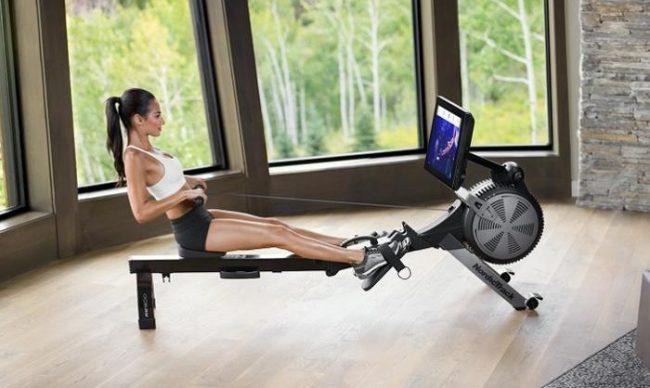 Printre cele mai bune aparate fitness pentru acasa se numara si aparatul de vaslit!