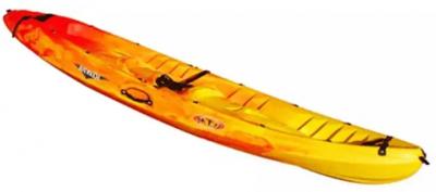Pentru 2 adulti si 1 copil este recomandat acest caiac rigid Ocean Duo Rotomod de la Decathlon