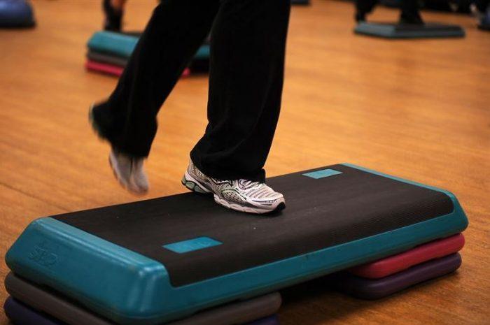Poti face multe exercitii pentru stepper chiar la tine acasa!