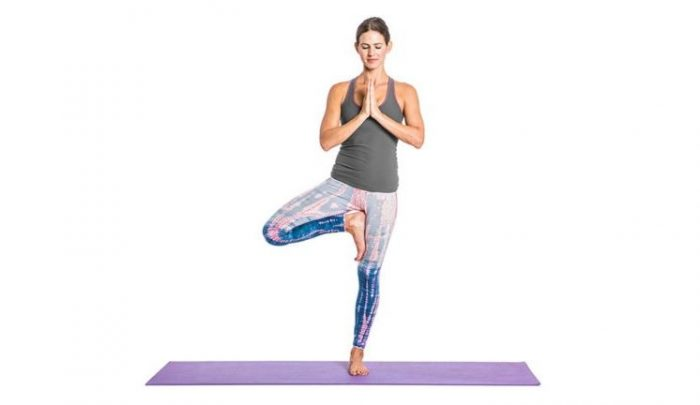 Pozitia copacului este printre cele mai celebre exercitii yoga