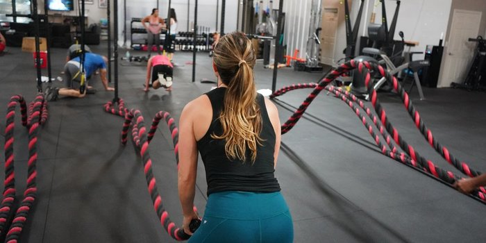 Poti incerca antrenamentul CrossFit pentru a dezvolta intreaga musculatura!