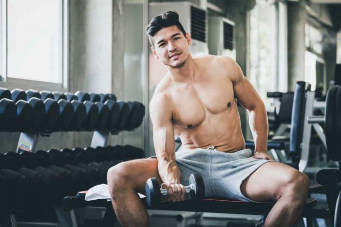 Antrenamentul de la sala are un rol important in cresterea masei musculare, dar nu neglija odihna!
