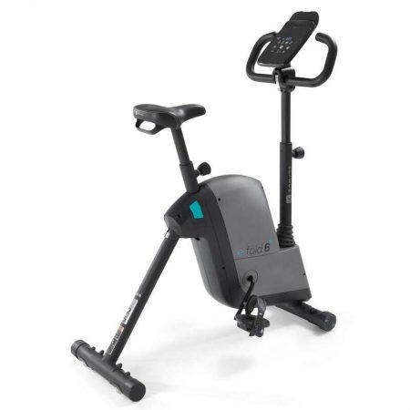 Bicicleta fitness de apartament E Fold Domyos se diferentiaza de alte biciclete la pret similar de la Decathlon prin faptul ca e pliabila, dupa cum ii spune si numele.