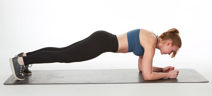 Exercitiul de Plank este unul dintre cele mai utile pentru slabit burta si abdomen cu patratele!