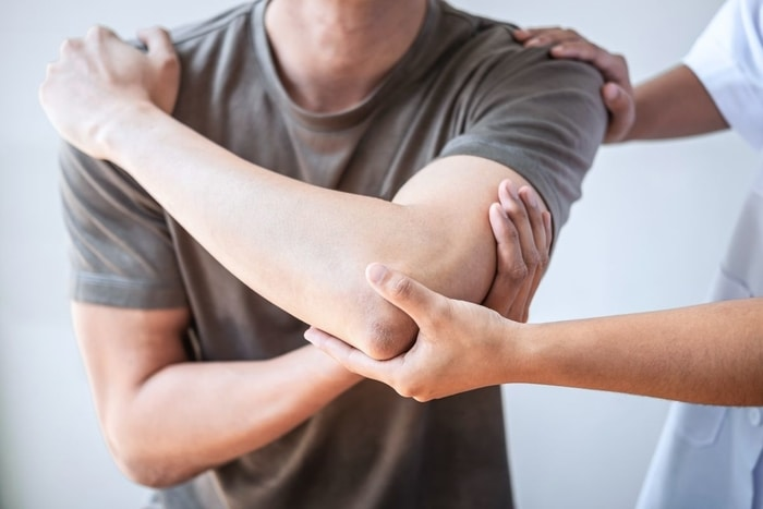 Sa stii ca fizioterapia te vor ajuta sa ameliorezi durerea, mai ales la persoanele in varsta.