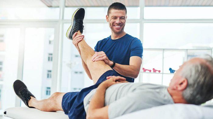 Diferentele dintre fizioterapie si kinetoterapie sunt mici, dar prima dintre ele ajuta la imbunatatirea mobilitatii articulatiilor si este utilizata pentru rezolvarea problemelor oaselor.