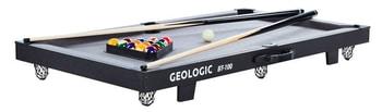 Setul de biliard BT 100 Geologic este ieftin si poate fi asezat oriunde, folosind o masa pe post de suport.